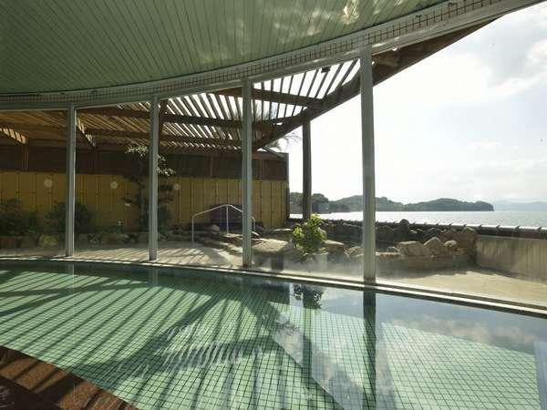 瀬戸内海を一望できる、1階大浴場 オリーブの湯