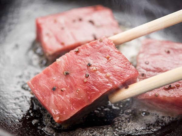 *【夕食一例】舌でとろける仙台牛を陶板焼きで。