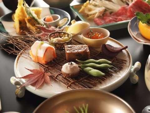 【懐石料理一例】目でも楽しんで食べて下さい。