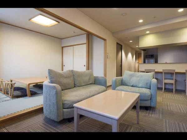 和室(6畳)と洋室がセットになったお部屋です。