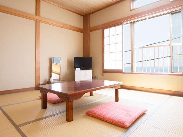 和室8畳の畳のお部屋です