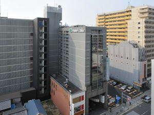 賑わいの中心四条烏丸徒歩5分の便利な立地。おもてなしの心で京都スティをお手伝いさせて頂きます。