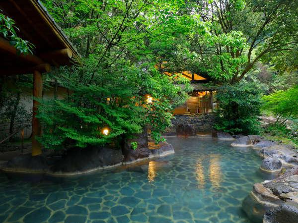 【しいばの湯】川のせせらぎに耳を傾けながらゆっくりと自然を満喫。無料・送迎あり