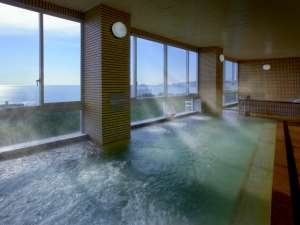 広々とした展望大浴場は、最上階にございます。