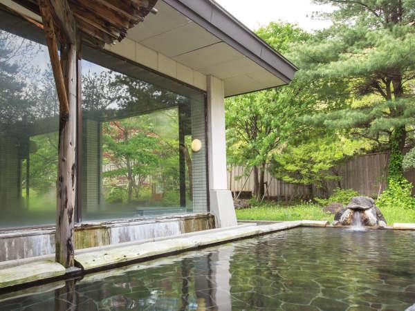 【和心の宿 姫の湯】露天風呂から望む四季折々に美しい山並みと郷土料理を満喫。