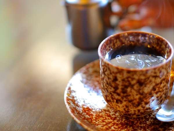 旅の疲れを癒す一杯。珈琲や紅茶などロビーでご用意(別料金)