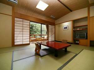 【松風館】和を基調とした、ゆとりある12畳~15畳の和室です。