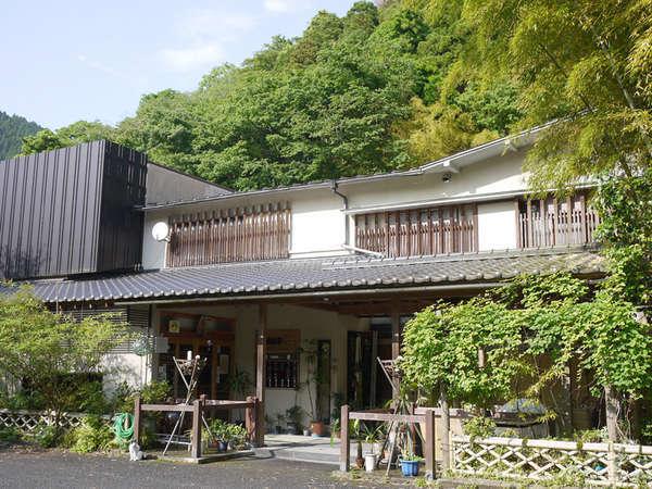 *【外観】新鮮な川魚&天然温泉を楽しめる宿