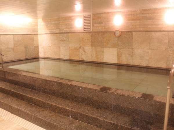 京都タワービルB3F大浴場「~YUU~」女湯。営業時間は7:00~22:00(最終入場/21:30)