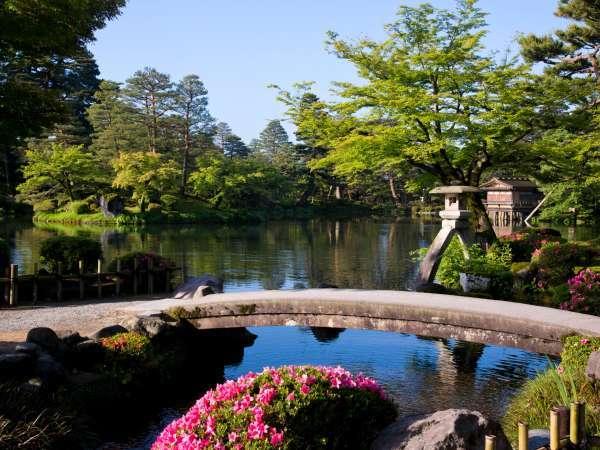 兼六園(写真提供:金沢市)【当ホテル右に出て、鱗町交差点左折 徒歩約15分】