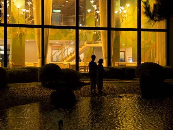 中庭回廊庭園