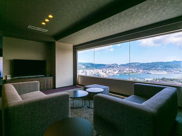 2017年8月リニューアル。圧倒的な夜景を望む1室限定【最上階】ハーバービュープレミアルーム