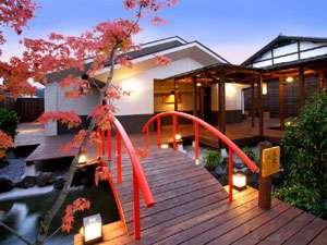 *併設の日帰り温泉「星音の湯」中庭もライトアップされ、昼間とはがらっと雰囲気が変わります♪