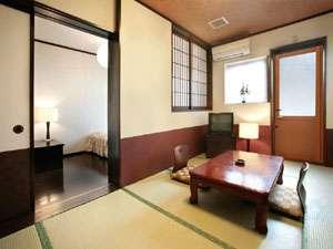 *ちょっぴり豪華に露天風呂付客室。季節を感じる風が気持ちいい!