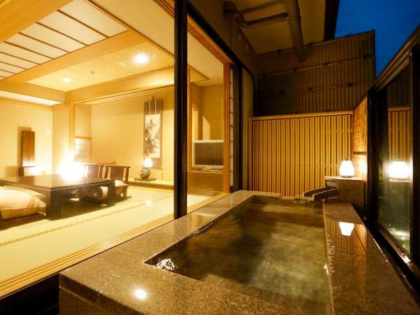 【露天風呂付きCタイプ】幻想的な灯に包まれて。ゆっくりお部屋でお寛ぎください。