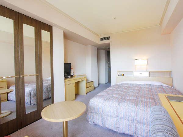 ≪ダブルルーム≫約19~22平米のお部屋に幅160cmのベッド