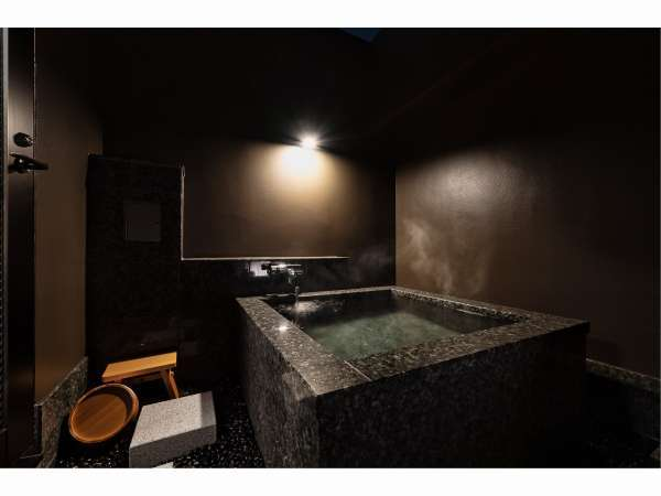 Corner Suite Room天井なしの個室露天風呂