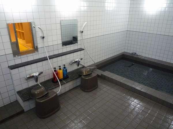 1F大風呂。客室にも全室バストイレがついております。