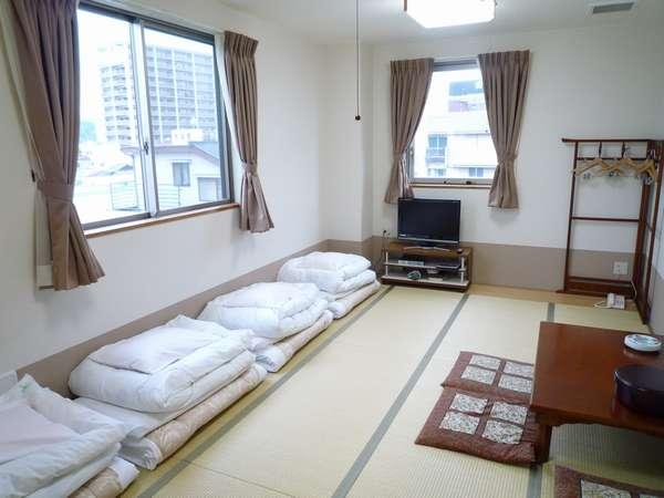 【新館和室12畳】バス・ウォシュレットトイレ・洗面が分かれています。天気の良い日は富士山が見えます♪