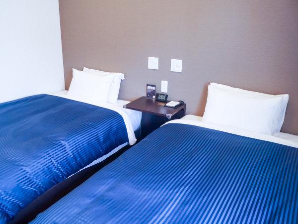 ◆ツインルーム◆ツインルームの御紹介です。シモンズ製ベッドを導入しております。