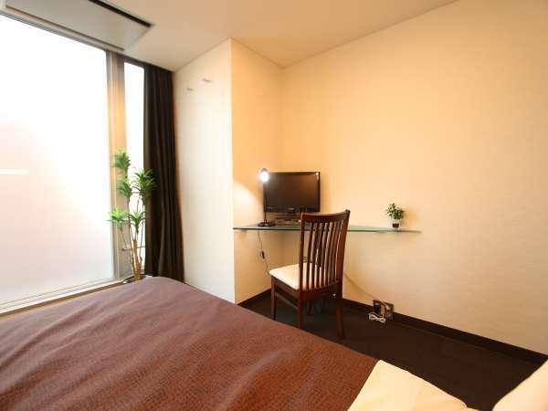 シングルルーム 10平米 ベッド縦195cm横110cm