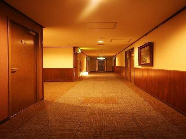 ◆館内◆各フロアに行灯があり温かみのある館内です☆彡
