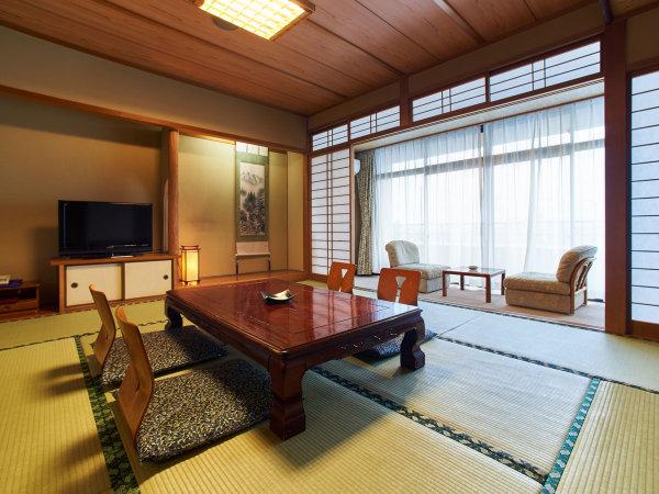 【和室/一例】落ち着いた和室で、ゆったり流れる山鹿時間をお過ごしください。