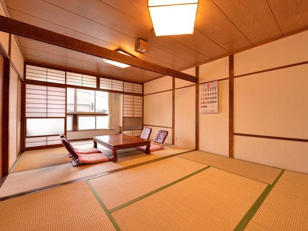 *和室12畳(客室一例)/グループやファミリーでのご宿泊に◎広いお部屋で団欒のひと時をお過ごし下さい。