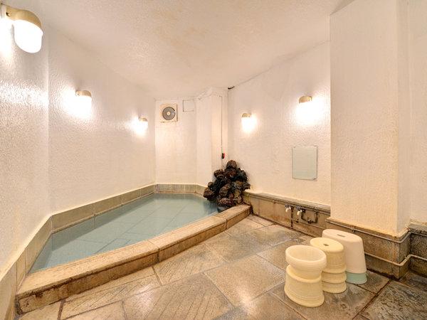 *男湯/わたの湯、湯畑の2種の源泉を引いております。わたの湯は共同浴場に無い、稀少な源泉!