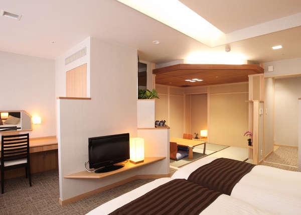 【和モダン客室】ツインベットに畳スペース(写真一例)※コーナーソファタイプ客室の場合もあります