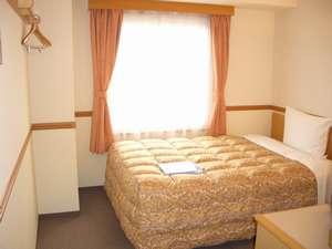全室幅広ベッドのシングルルーム