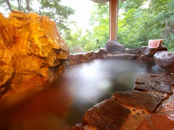 【森の中の小さな隠れ宿 ヴェルレーヌ】貸切温泉露天やBAR,リフレなど非日常を愉しむ大人のための隠れ宿