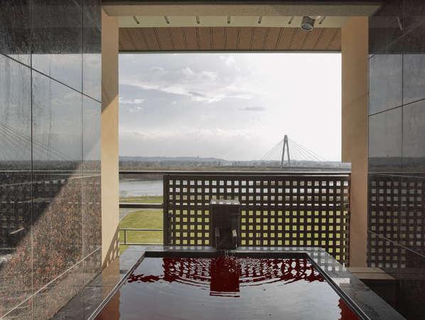 【豊洲亭】デラックス/十勝川の雄大な風景と、湯口から注がれるモール温泉を贅沢に楽しめます