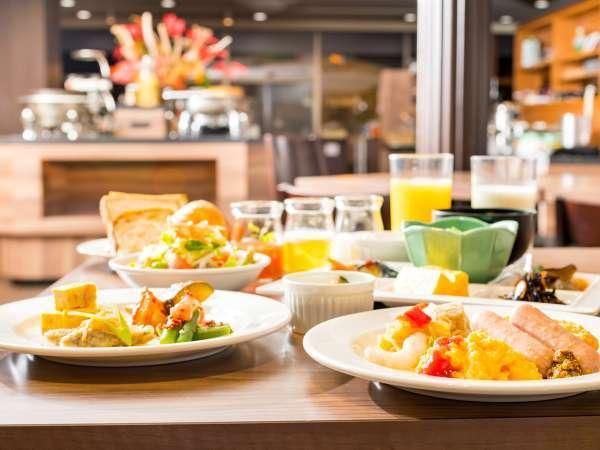 【朝食ブッフェ】元気の出る朝食ブッフェで爽やかな一日の始まりをお迎えください。