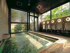 十和田湖畔の温泉。湯上りはスベスベになれるかも!?24時間いつでも利用できるのが嬉しい!