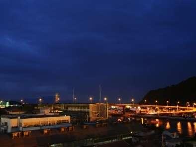 瀬戸大橋を見下ろせます。