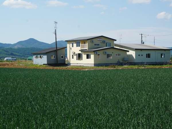 田園に佇むアットホームなペンション