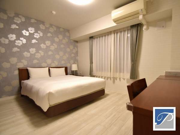 ■9F NonSmoking DX Room■2018.5リニューアル。クイーンサイズのシモンズベッドで贅沢な眠りをご体感。