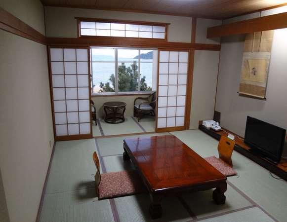 ◇海辺の和室◇お部屋からは松、そして唐津湾がご覧いただけますお部屋です♪