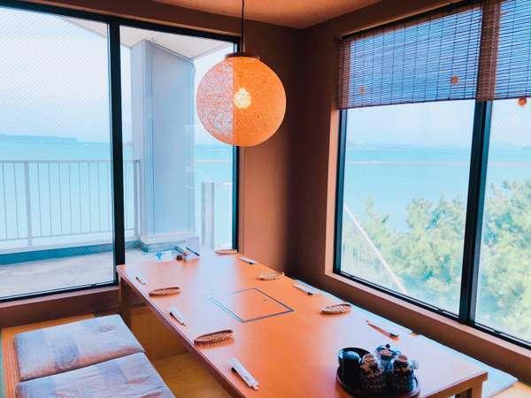 展望お食事処「唐津茶屋」は掘りごたつ席とお座敷席に分かれております。