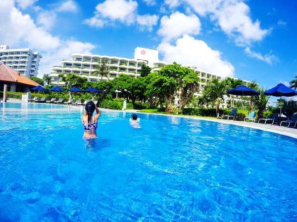 【プール】子供用プール/直径8メートルと11メートルのひょうたん形プール