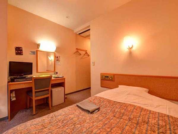 *シングル(客室一例)/一人旅やビジネスに◎おひとり様でもゆったりお寛ぎいただけるスペースです。