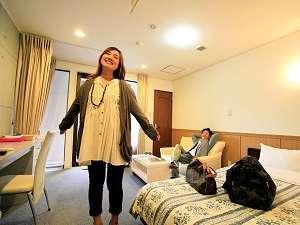 森林浴をホテルのお部屋で。日光の空気はおおいしいですよ。ホット寛げるお部屋です。