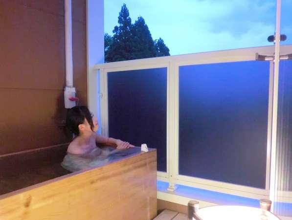 美肌の湯としても好評の温泉を24時間楽しめます!お肌の効果を体感してみてください♪