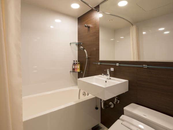 ◆従来のコンフォートホテルよりも広く設計されたバスルーム◆バスタブも足を伸ばして入れます♪