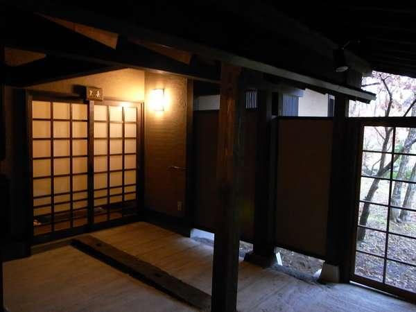 【客室】お客様をお迎えするお部屋の玄関