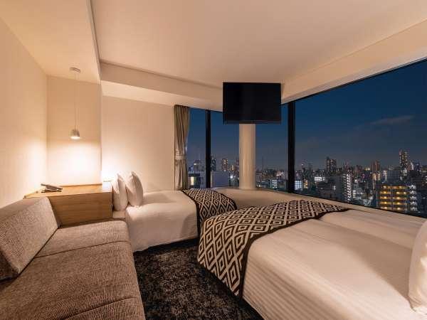 デラックストリプル/角部屋にあり、当館で一番広いお部屋でございます♪夜の景色を堪能できるお部屋も...♪