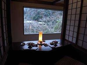 神田川道場 茶寮 「心」渓流と山の景色を眺めながら御二人だけの指定席