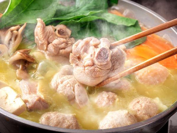 【【片の瀬温泉 湯元小林】一度は食べたい名物「はかた水炊き」】全5室の小宿で、100%満足できる『はかた水炊き』を体験
