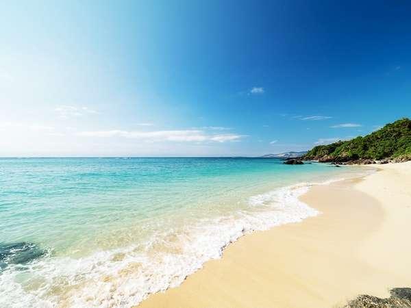 ホテルの目の前にプライベートビーチがあります。